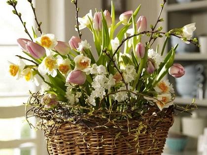 Tischdeko-frische-Blumen-Frühling.jpeg