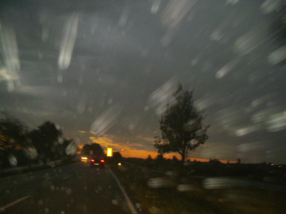 regen und sonnenaufgang