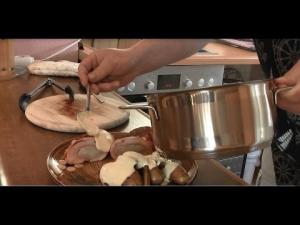 Hähnchenbrust gefüllt mit Spargel und Schinken